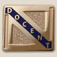 Stock Volunteer Pin – Docent Design #868